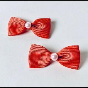 Peach bow hair clip set with pearl detail